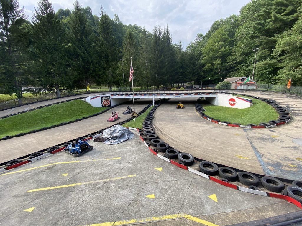 Figure eight track at fun n' wheels